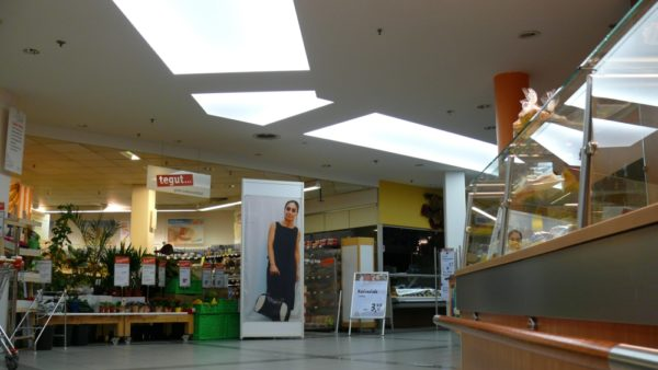 Axelor Lichtdecke in einer Shopping Mall